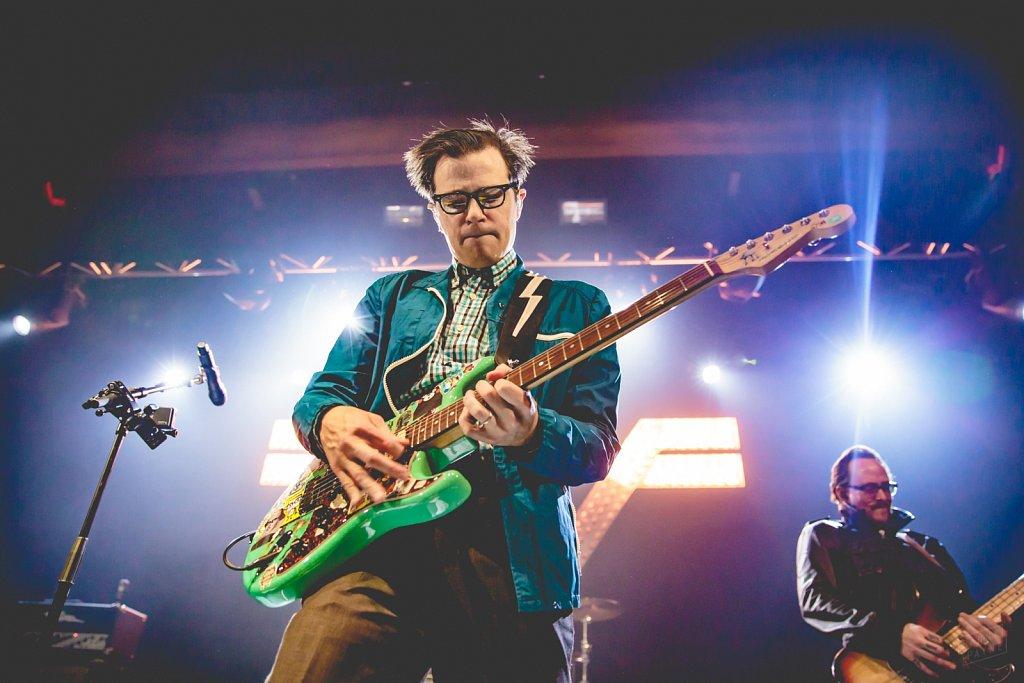 Weezer @ Manchester Academy, Apr 2016